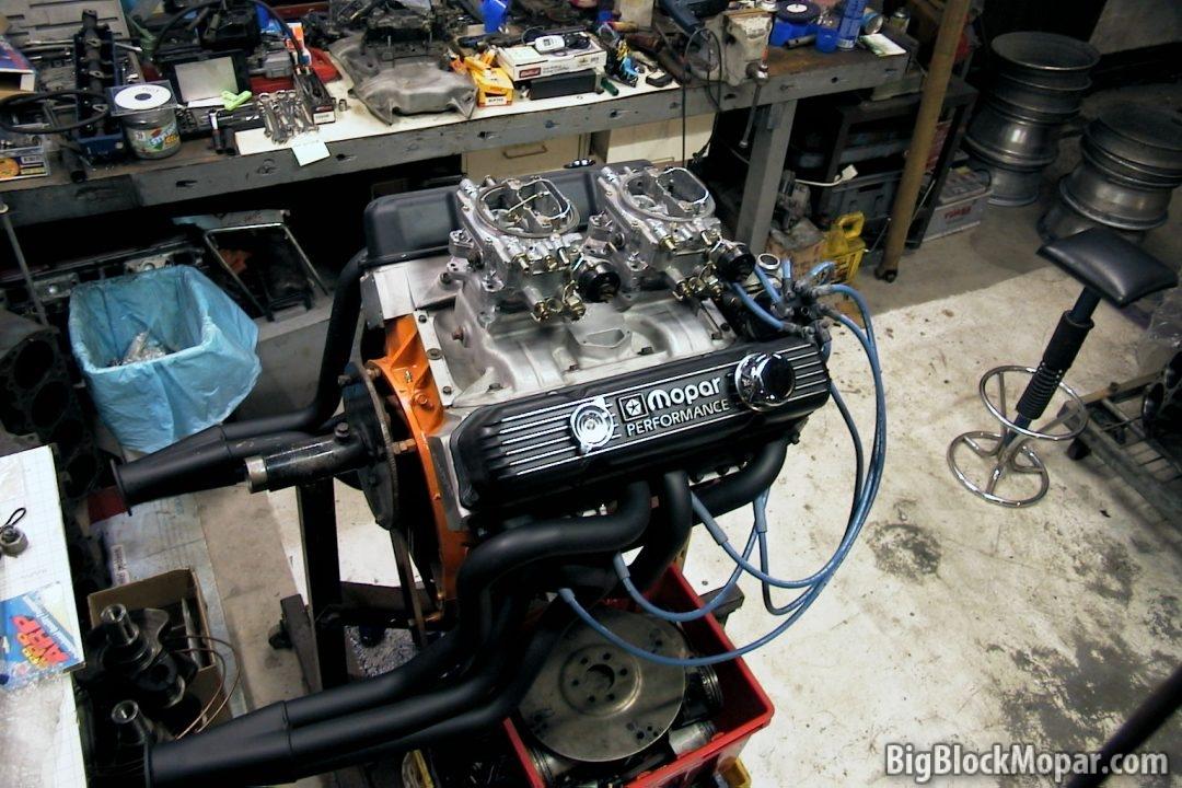 440 Engine Build – Edelbrock heads, dual quad Offenhauser intake
