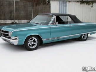 1965 Chrysler 300 convertible - Winter scene