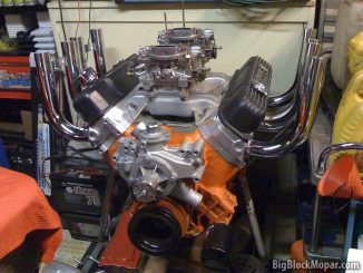 BigBlockMopar 440ci engine with 'Zoomie' headers'
